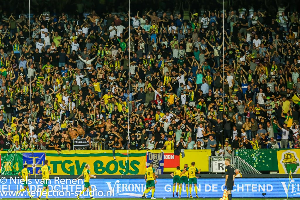 Publieke belangstelling in het Fortuna Sittard stadion